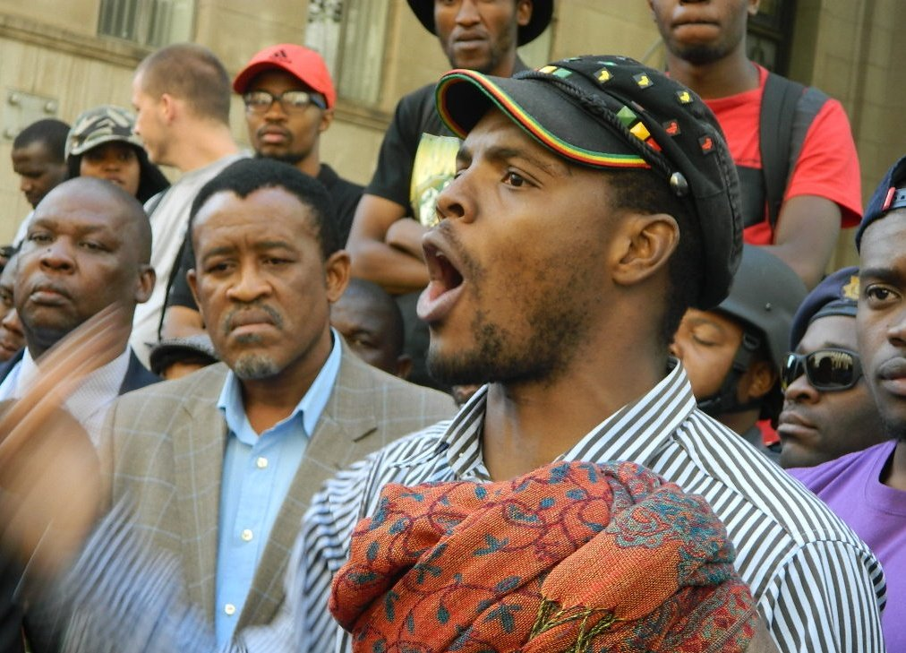 September 28 2016 #MceboDlamini n other students marched from Braamfontein to Marshalltown to deliver a memo at Chamber Of Mines, managed to take photos of him addressing students, he said &quot;Comrades, Anglo American alone can fund free higher education in SA&quot; #FeesMustFallMuseum<br>http://pic.twitter.com/2jGvthPBxG