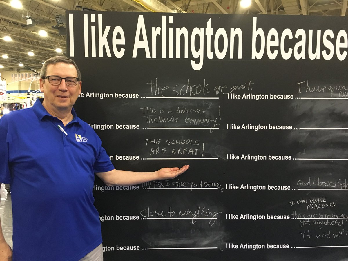 RT <a target='_blank' href='http://twitter.com/ReidForSchools'>@ReidForSchools</a>: APS getting a great reaction at the Arllington County Fair! <a target='_blank' href='http://twitter.com/APSVirginia'>@APSVirginia</a> <a target='_blank' href='http://twitter.com/arlingtoncofair'>@arlingtoncofair</a> <a target='_blank' href='https://t.co/FurQudOfzi'>https://t.co/FurQudOfzi</a>