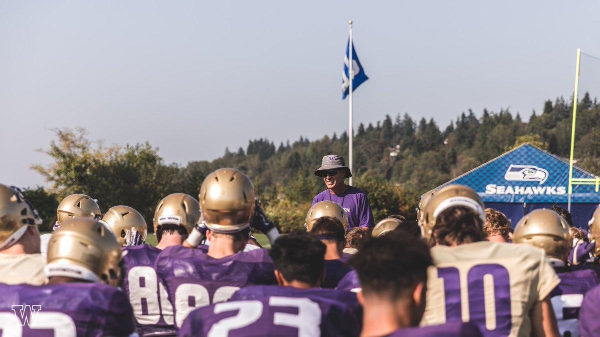 Washington x @Seahawks  #PurpleReign<br>http://pic.twitter.com/ijBddTCjVf