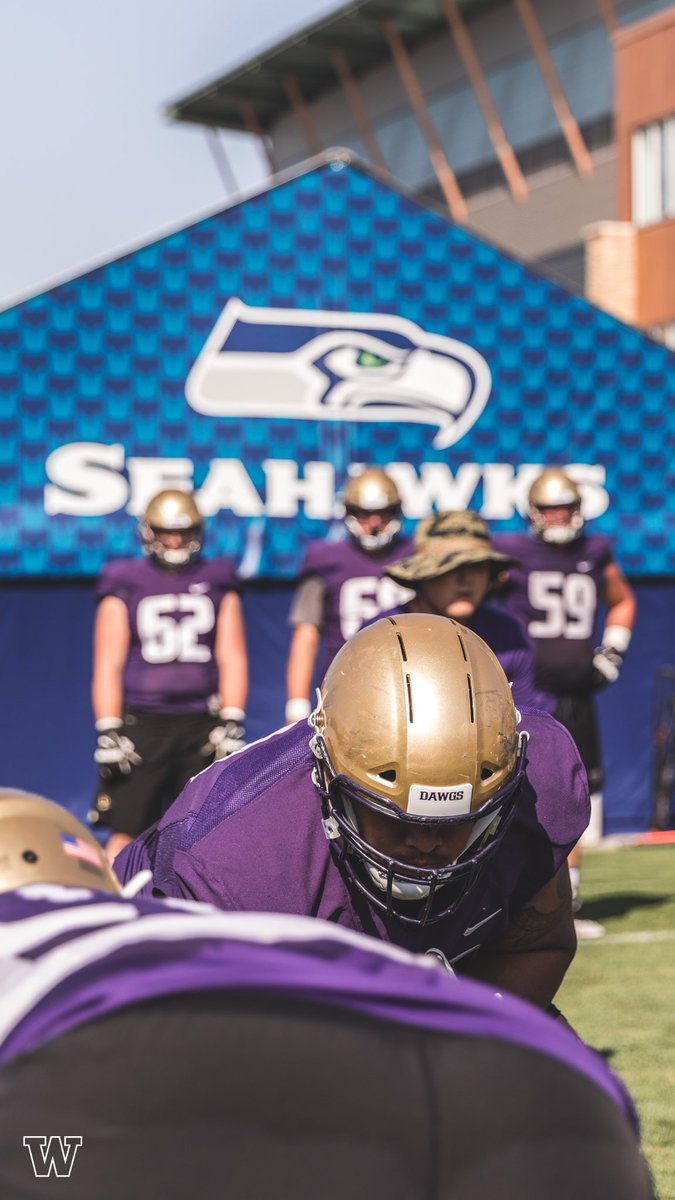 @Seahawks headquarters.   #PurpleReign<br>http://pic.twitter.com/jqIuuIGMro