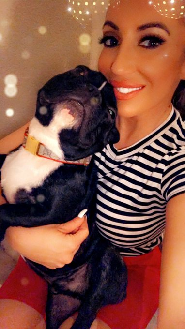 Home sweet home with my baby ❤️🐶 https://t.co/mgXMKb0AF7