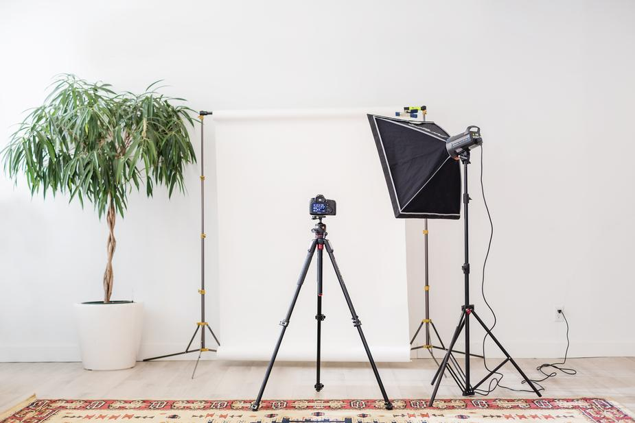 Even without a huge budget, celebrity cameos, or a famous brand name—any business can do more with video on social: ow.ly/wzua30lp70d 5 steps to creating videos that make an impact