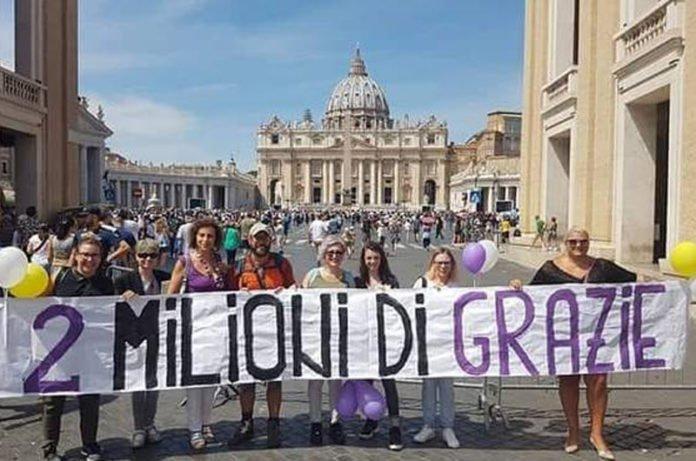 "Christian Vitali, ha raggiunto la meta, arrivo a San Pietro e 2 milioni di ""Grazie""  https:// www.tusciaup.com/christian-vitali-ha-raggiunto-la-meta-arrivo-a-san-pietro-e-2-milioni-di-grazie/115737#Parabiago #Padova #Roma #ChristianVitali #fibromialgia @Mov5Stelle @AEVieFrancigene @fibromialgianew  - Ukustom"