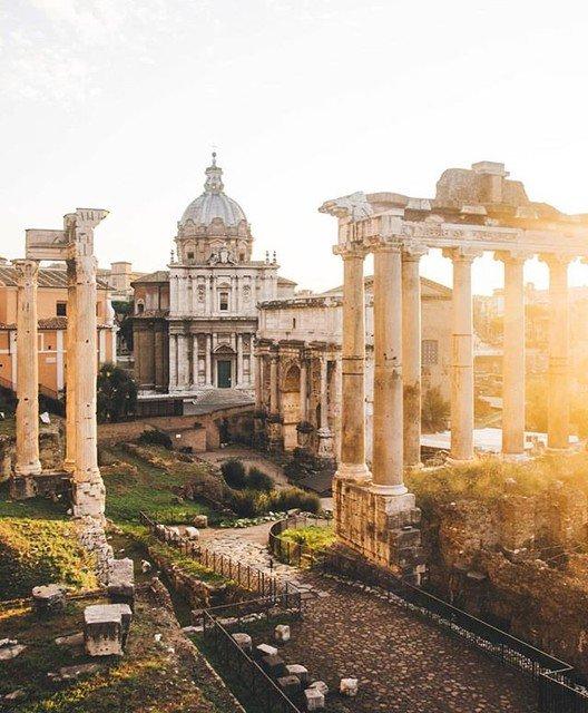 Reposting @ig_italia: @freelander__#RomaI Fori Imperiali che costituiscono una serie di piazze monumentali edificate nel corso di un secolo e mezzo (tra il 46 a.C. e il 113 d.C.) nel cuore della città di Roma da parte degli imperatori, accompagnano Roma da sempre.Fra i  - Ukustom