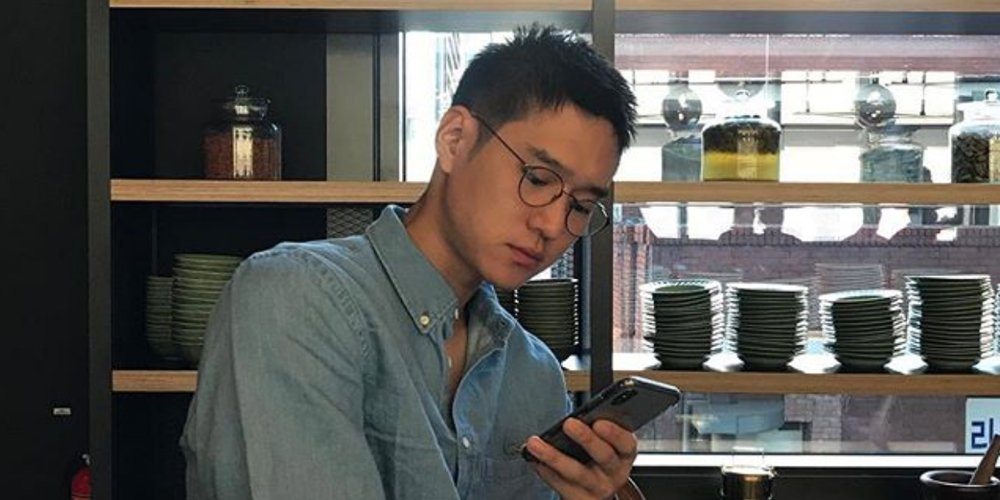 Go Kyung Pyo updates his Instagram for the first time since beginning mandatory military service  https://www. allkpop.com/article/2018/0 8/go-kyung-pyo-updates-his-instagram-for-the-first-time-since-beginning-mandatory-military-service &nbsp; … <br>http://pic.twitter.com/7xUrophj2z