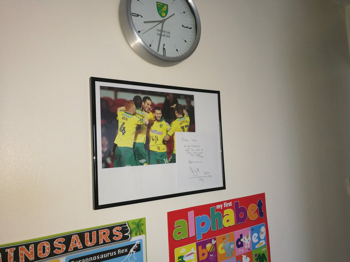 Rivalry aside @georgiebingham - my club @NorwichCityFC sent my partner a signed photo and personal letter from the legend Wes Hoolahan when she was heavily pregnant. City fan for life. Hopefully  @Dean36ashton10 will appreciate it  #ncfc <br>http://pic.twitter.com/kfh8FRcVVG