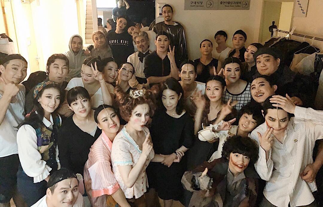 Today marks the last show for Junmyeon at Seoul Arts Center! The crew and musical actors + actresses who have been looking after Junmyeon, thank you so much~ Hopefully Junmyeon would have time to rest despite preparing for EXO&#39;s Comeback!   #EXO  #SUHO @weareoneEXO<br>http://pic.twitter.com/xb2Uxj4Mrr