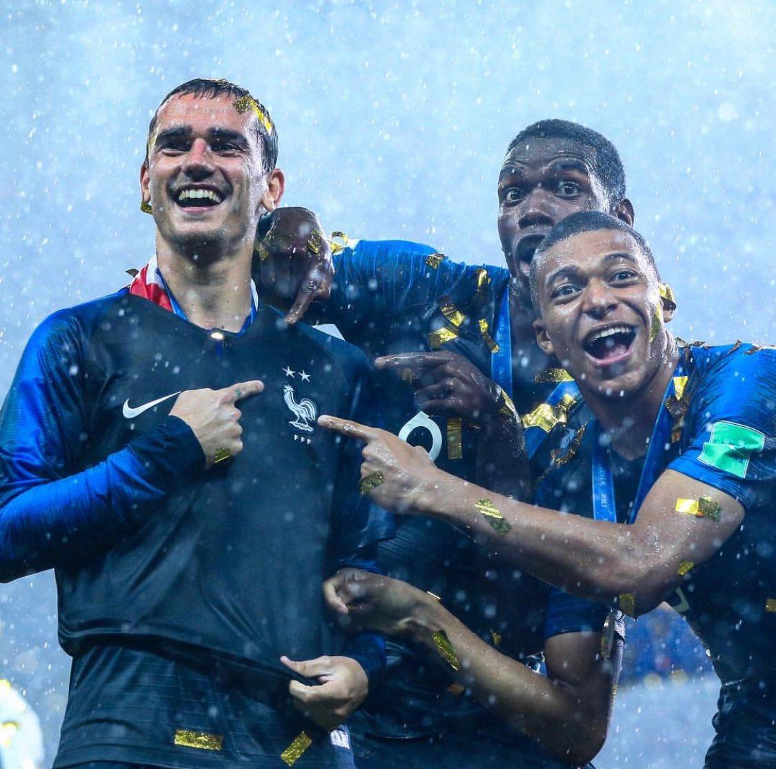 Klopp : ' La France avait les bons joueurs et la bonne tactique au Mondial. DD aurait pu les laisser courir, exciter toute la planète. Mais il a fait preuve d'une grande maturité. Le boulot d'un technicien, c'est d'utiliser les qualités de son équipe de la meilleure façon.' (FF)