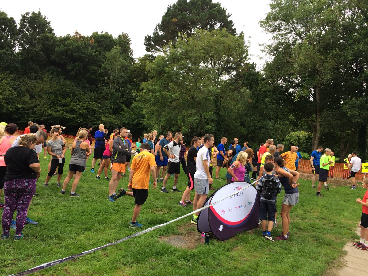Another great turnout for @grinsteadprkrun today! Lots of #tourists from Lancashire, London, Wales, @norwichparkrun,  @kraherwaldprkrn Stuttgart<br>http://pic.twitter.com/OgHuKKQorM