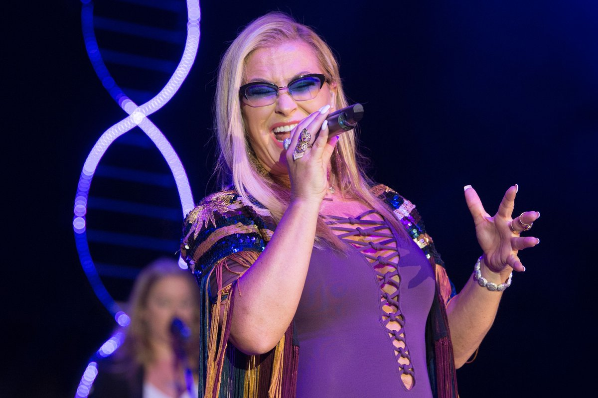 """Anastacia >> álbum """"Evolution"""" - Página 11 Dk3xx9iXsAAAMS5"""