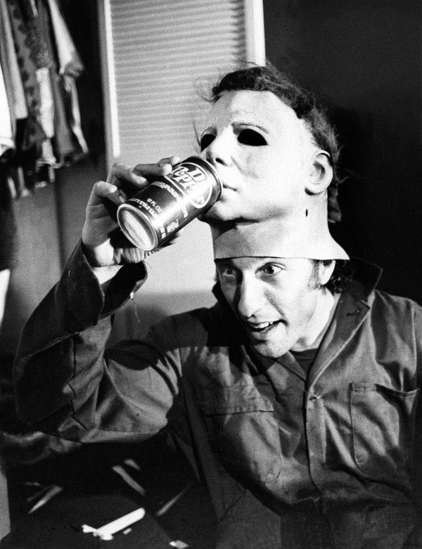 1978 - 2018 Nick Castle recreates his behind the scenes photo from the set of Halloween 1978
