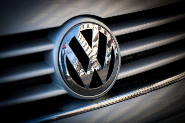 &quot;High-pressure development - Volkswagen reaffirms Blockchain commitment&quot;   Hopefully Diesel development on the blockchain    https://www. btc-echo.de/entwicklung-mi t-hochdruck-volkswagen-bekraeftigt-blockchain-engagement/ &nbsp; … <br>http://pic.twitter.com/MvPhoC8itw