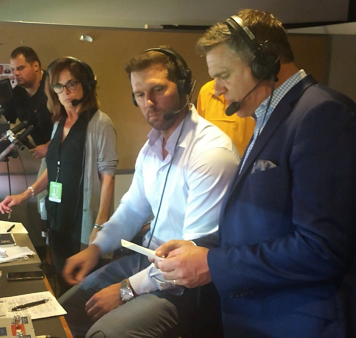 Great chance Fri. to work for @JaycrawfordCLE &amp; @timcouchtv in the booth and @DustinFox37, @BernieKosarQB on the field during their call of @browns game on @WEWS!! Not everyday does an opportunity pop up to work w/ 3 former @NFL players &amp; a nationally known broadcaster #ThxGuys<br>http://pic.twitter.com/t0gcFkaFCZ