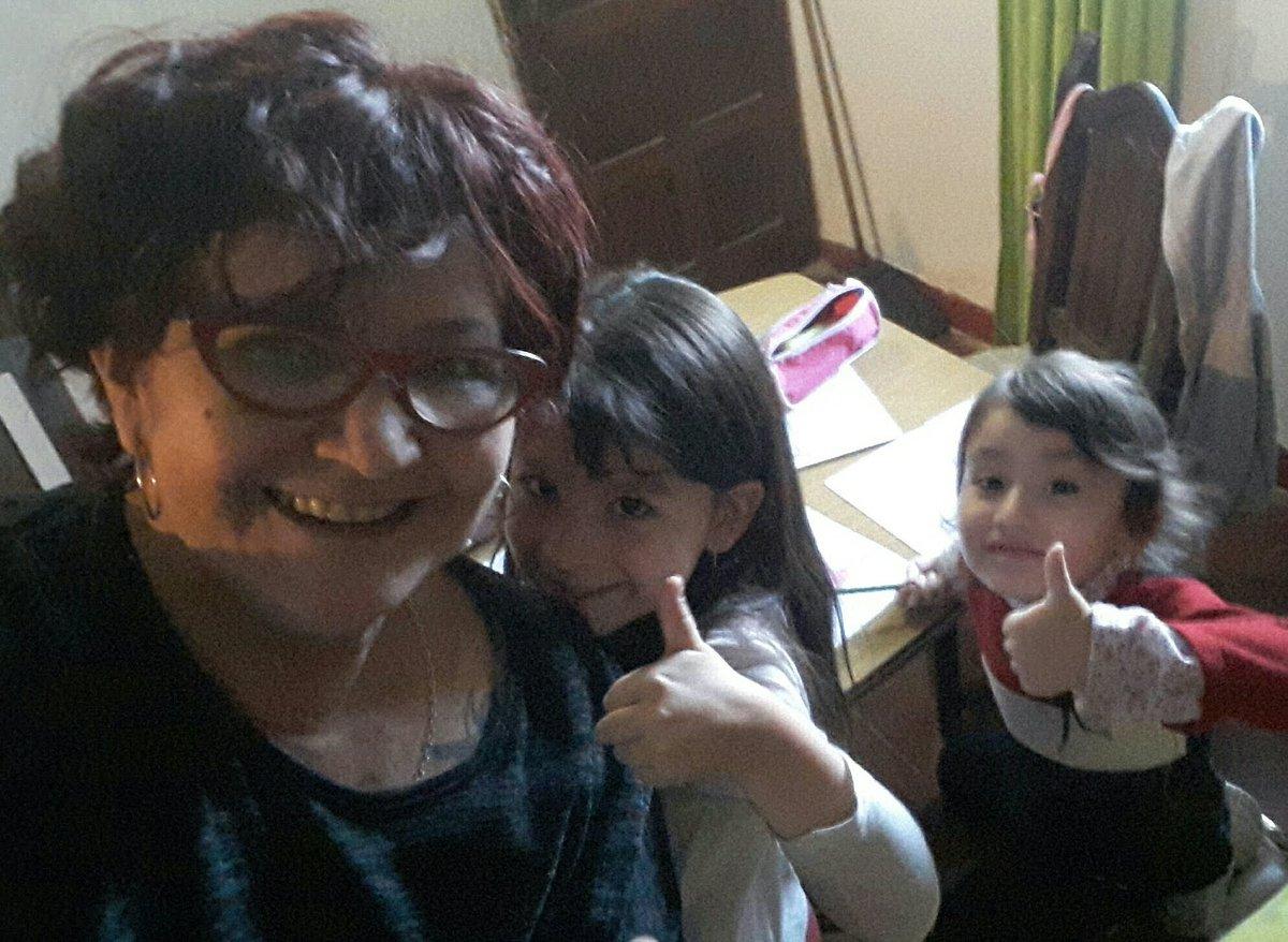 #EsteFinde pintando con mis princesas Emmita y Guillerminita ❤❤