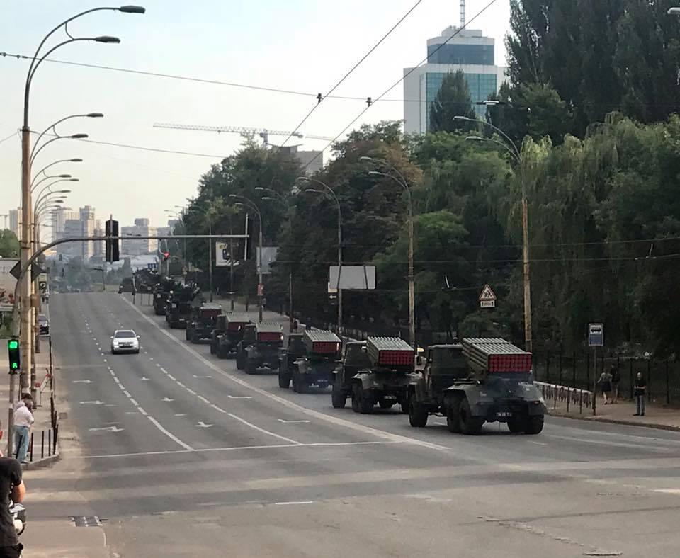 Репетиція військового параду до Дня Незалежності відбувається на Хрещатику в Києві - Цензор.НЕТ 8904
