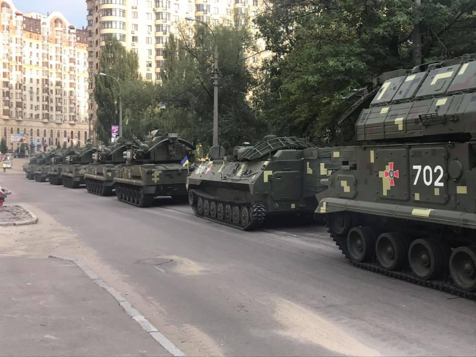 Репетиція військового параду до Дня Незалежності відбувається на Хрещатику в Києві - Цензор.НЕТ 3551
