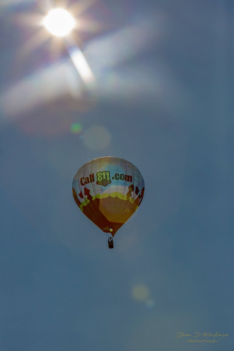 High above the #CentraliaBalloonFest, you could see the @coxutilitysvcs #811Balloon spreading the…