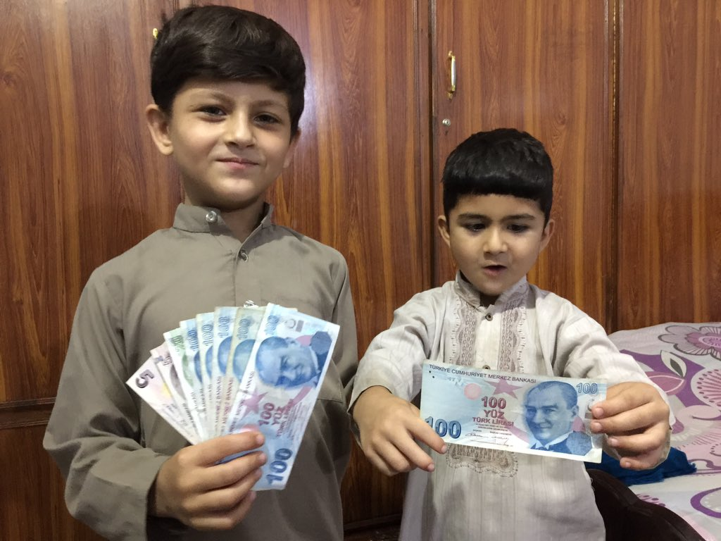 Mashal Khan and Khushal Khan bought 1000 Lira to show their solidarity with @RT_Erdogan and Turkish people #Pakistan @Mustafa_MFA @AliSahin501 @PakTurkey @TrEmbIslamabad<br>http://pic.twitter.com/0iqRJoodyW