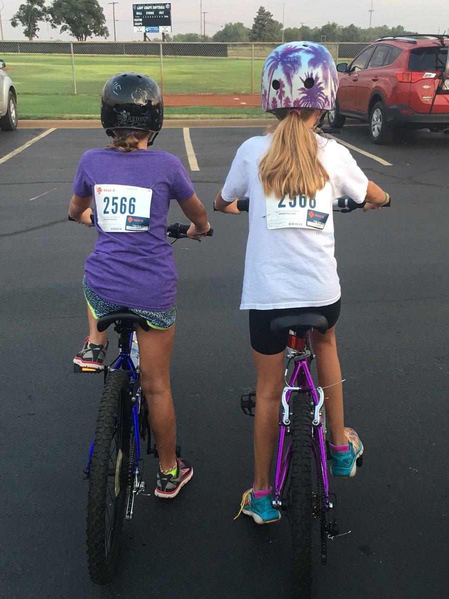 Their 1st race! We are proud of these Dillard girls!     #ROADiDRaceDay  #vernonburnin