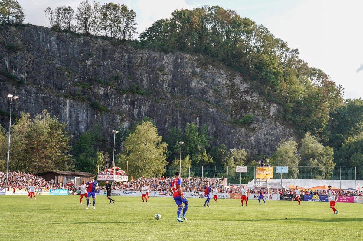 HT   FC Montlingen 0-1 FCB Narrow lead for us at half time. Balanta with the sole goal. #FCBasel1893 #zämmestark