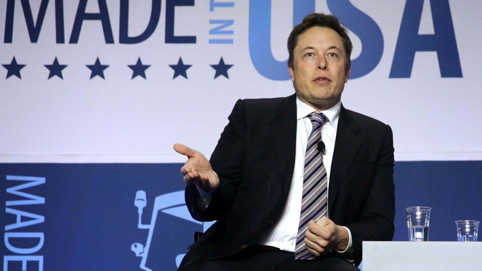 Tesla shares tank after tearful Elon Musk interview freaks people out https://t.co/HITQciYz2b https://t.co/x3wBfrsWXu