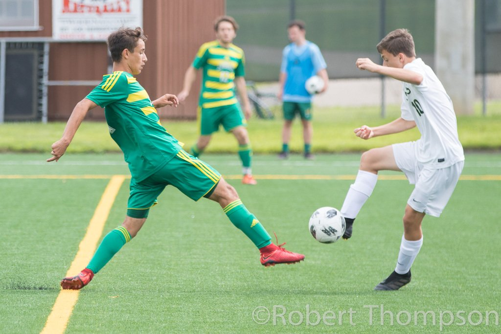 BSOC - @EmmSoccer opened up their pre-season today with a 1-1 draw vs @CDBoysSoccer @ Memorial Field.  JV posted a 4-0 shutout win.   via @rthompsonfoto<br>http://pic.twitter.com/c1Wqwg62Uc