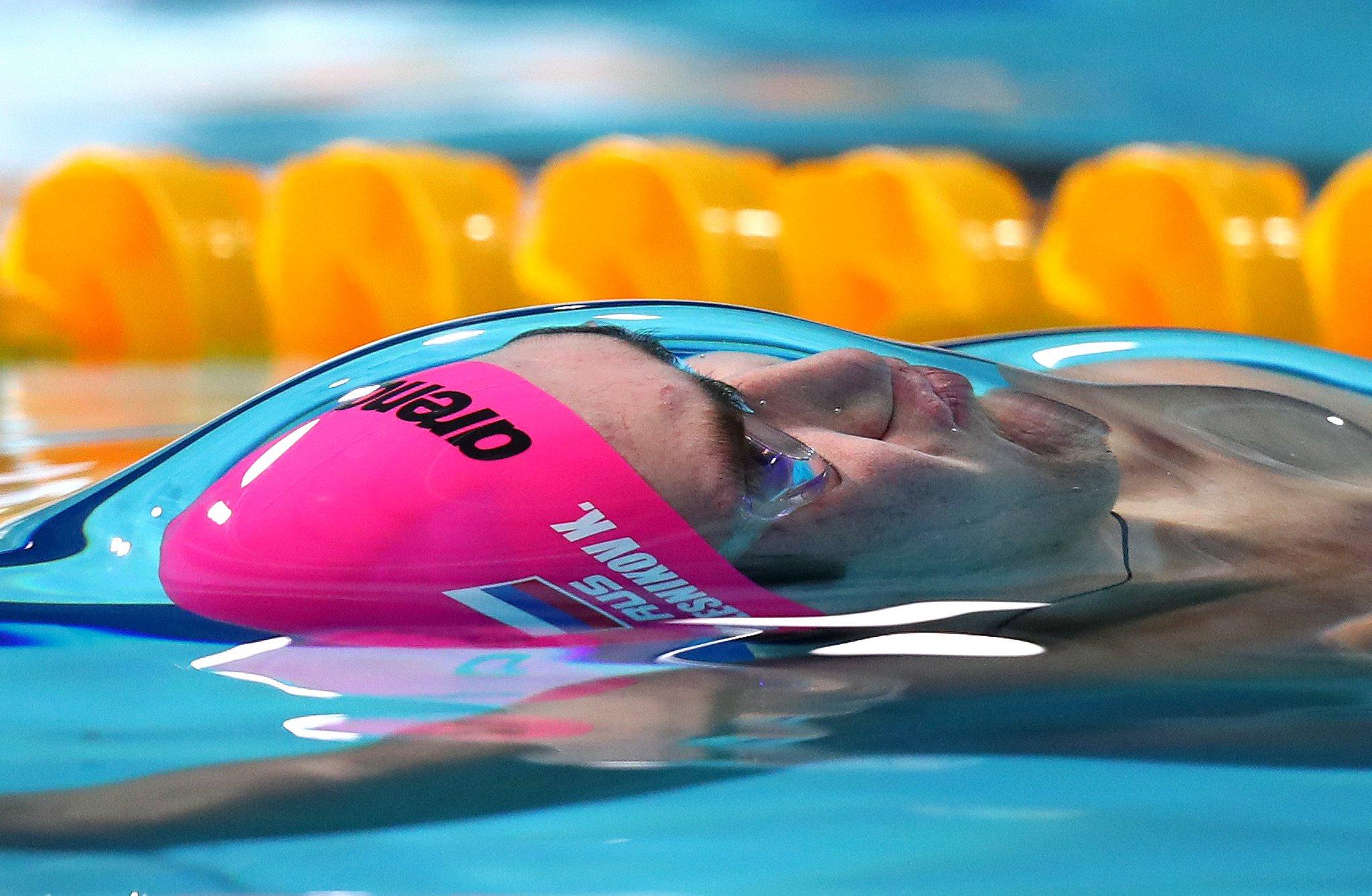 10 swimming photos that will leave you breathless https://t.co/yxTdGGNihj https://t.co/3C2iK5sj4N