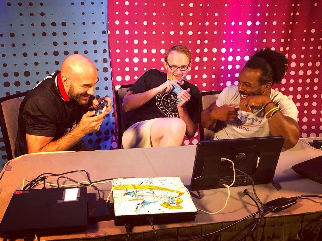 Ein kleines Teaserfoto für ein zukünftiges Gaming Video bei uns auf dem Kanal 😍 @WWECesaro @XavierWoodsPhD @UpUpDwnDwn @WWEDeutschland #SummerSlam #Gaming #Werbung