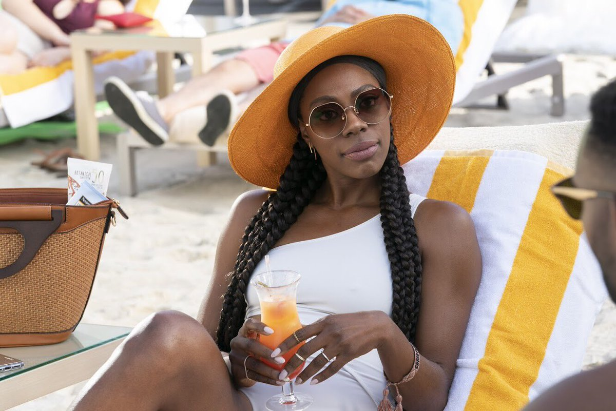 How we chillin this weekend, knowing a new episode of #InsecureHBO comes on tomorrow.