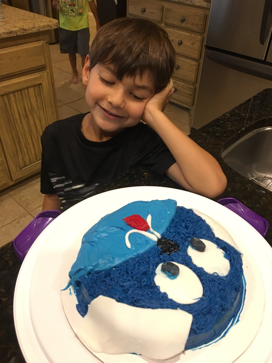 Way to go Cameron & Jack!! 💙💙 A Puppy cake! Fantastic, excellent job  💙💙🐾🐾🐶🐶