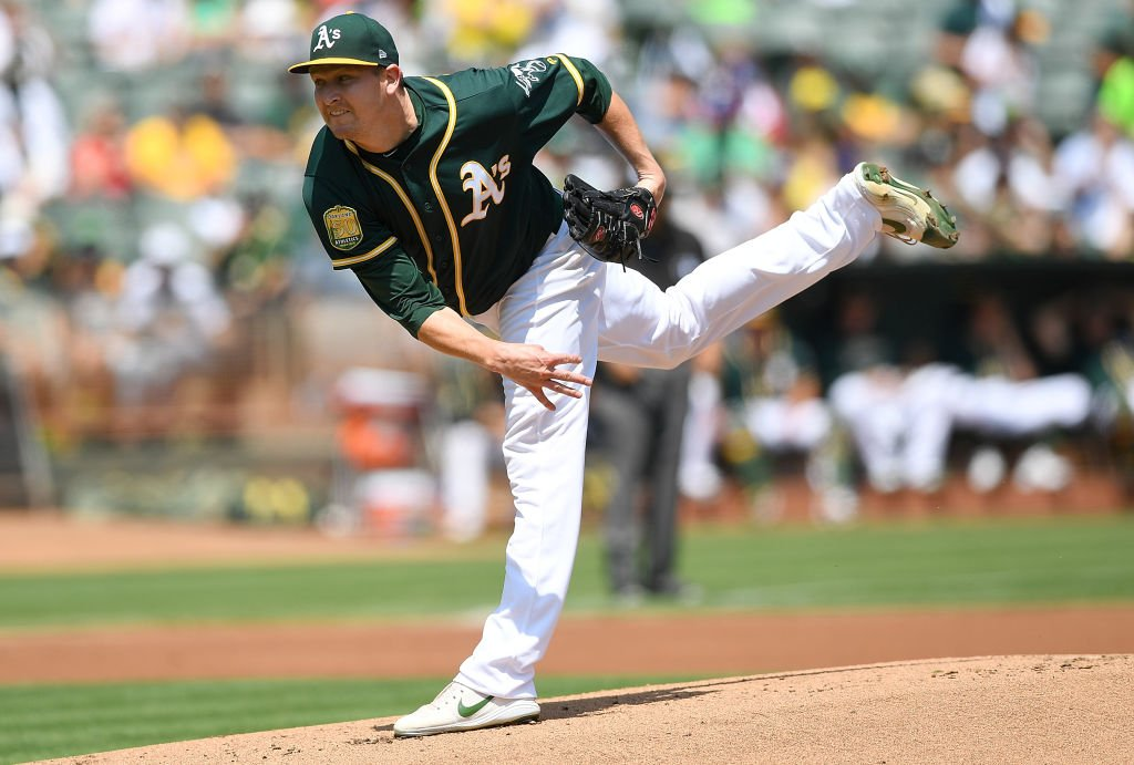 Thanks to another good outing at home by Trevor Cahill on Sunday, the @Athletics start the day tied with the Astros atop the AL West. Oakland hadnt been in 1st this late in a season since August 25, 2014. Cahills home ERA is now at 0.85, best in MLB this season (min. 50 IP)