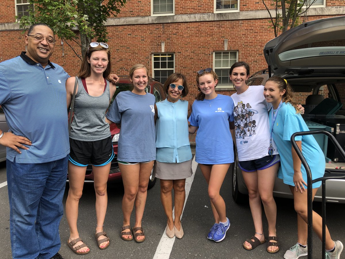Enjoyed meeting many families and students moving in this weekend – great to have you on campus. #backtoschool https://t.co/Sj7Fl7uylu