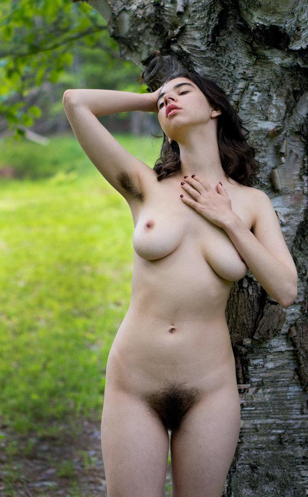 поехать голые волосатые девушка фото пухлыми