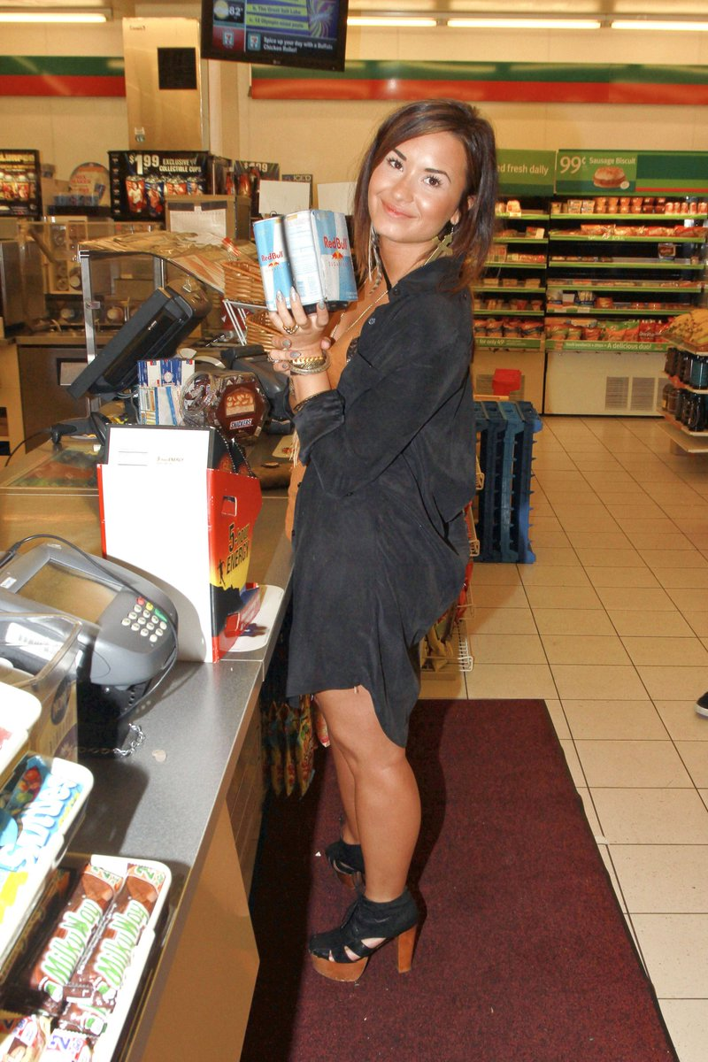 August 19, 2011: At a local 7-Eleven in Los Angeles, California <br>http://pic.twitter.com/ONCILu4lwW