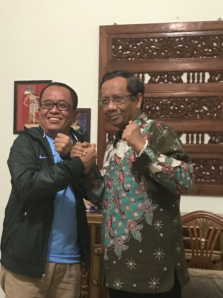 Bertemu Sudirman Said, Mahfud Md Mengaku Tak Bicara Politik https://t.co/GEWMfyKzeR https://t.co/eRXuImfSTp
