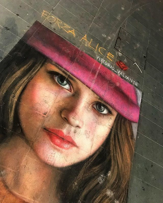 VITTORIO VALIANTE @vittorio_valiante Forza Alice#napolistreetart #streetart #vittoriovaliante #woman #children #colorful #eyes #igersnapoli #napoli #naples #pictures #photostreet #photography #city #citylife #art #artistic #napoli_da #urban https://ift.tt/2OILFpt  - Ukustom
