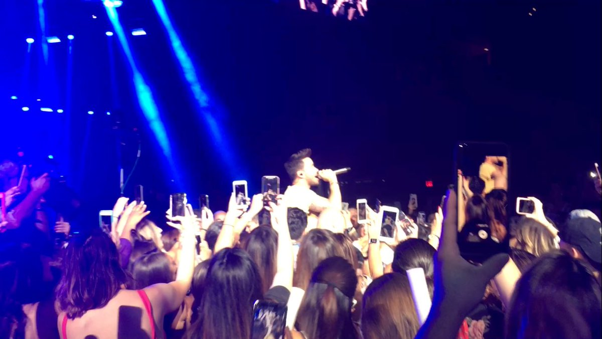 My boo is the bravest soul out there just jumping into a crowd full of people. @PrinceRoyce  #LatinoMixLive <br>http://pic.twitter.com/U0SYbH6WLy