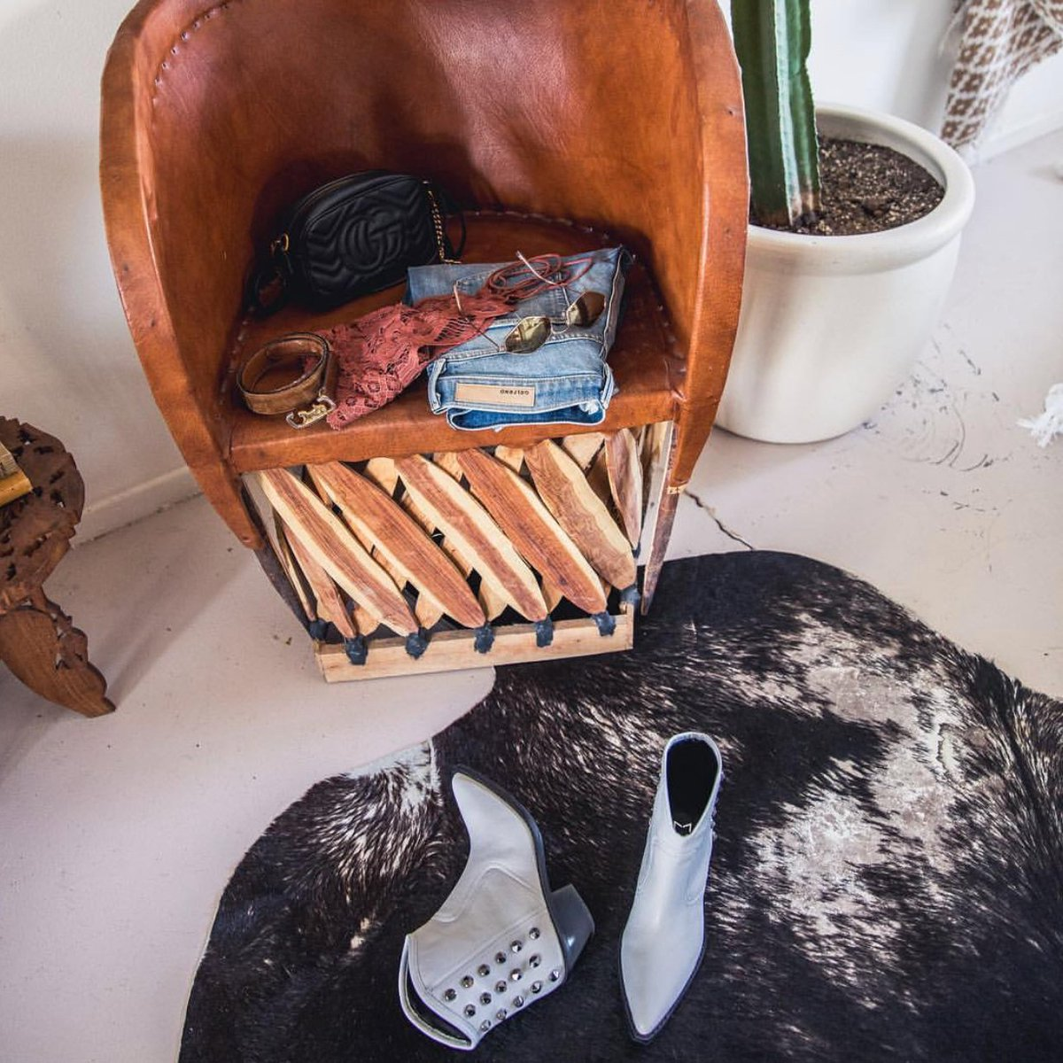 Weekends out west [Shoe: Baily] https://t.co/6NvYoV662B #MarcFisherLTD // @melaneeshale https://t.co/SPA5YtsWB5