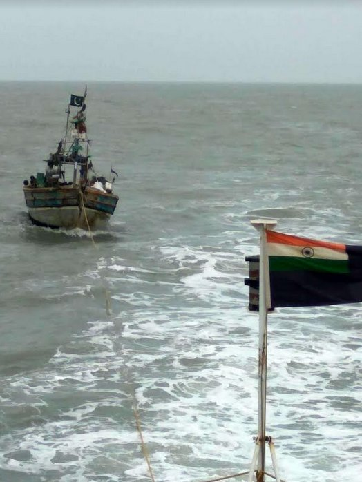 Coast Guard apprehends Pakistani boat with 9 aboard off Gujarat coast
