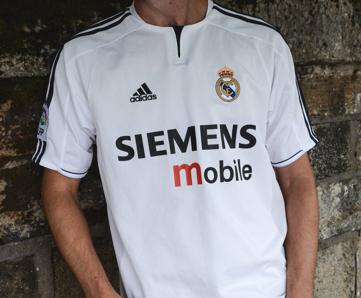 the latest 84d60 10a1e Classic Football Shirts on Twitter: