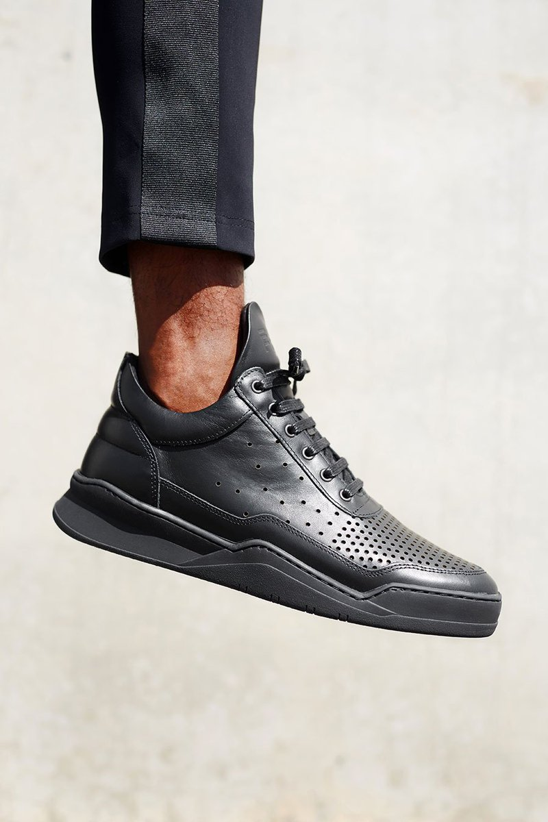 Luxurious gradient perforated nappa