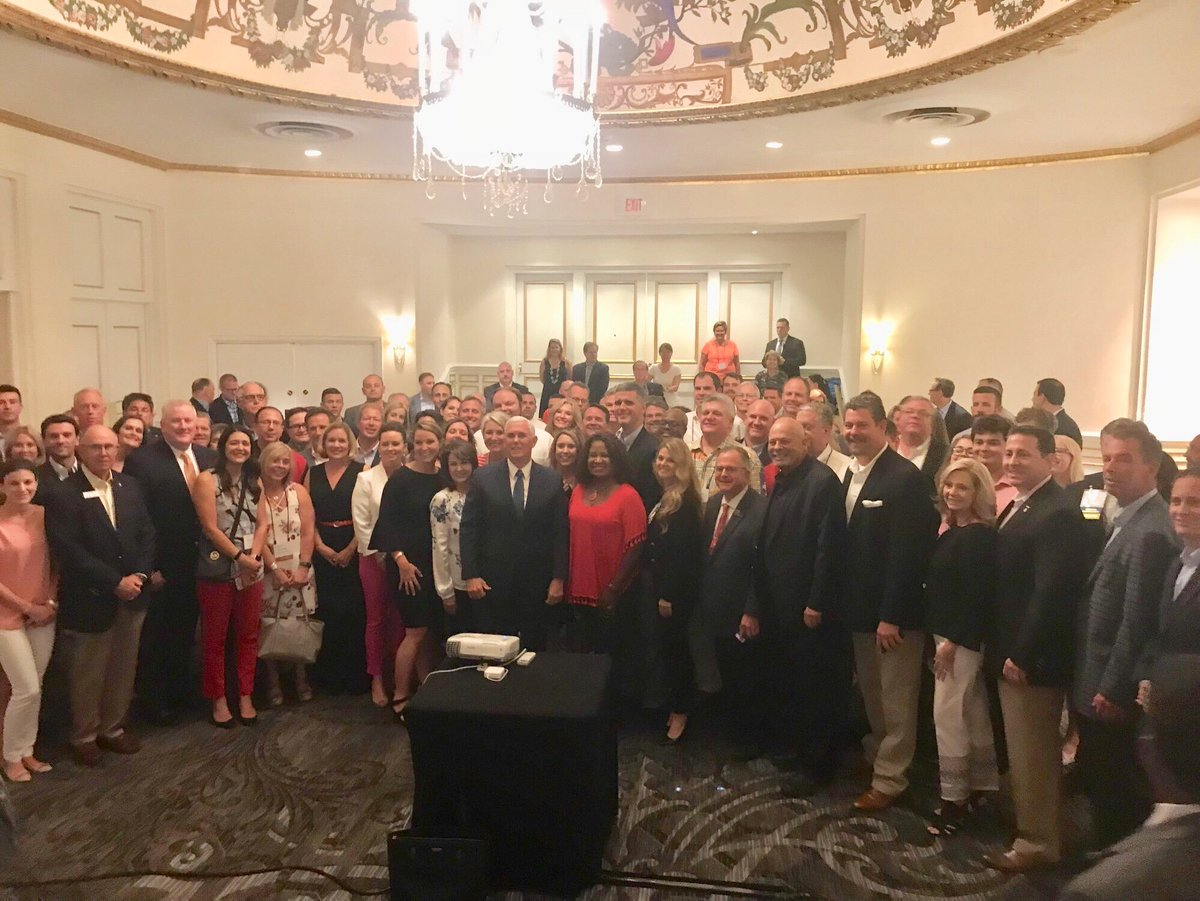Honored to meet with Republican state legislators last night at @GOPAC's annual conference. They're doing important work to train conservative leaders across the country.