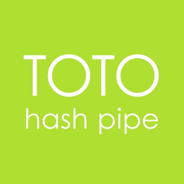 Toto Records Version Of Weezer\'s \'Hash Pipe\' - AllYourScreens.com