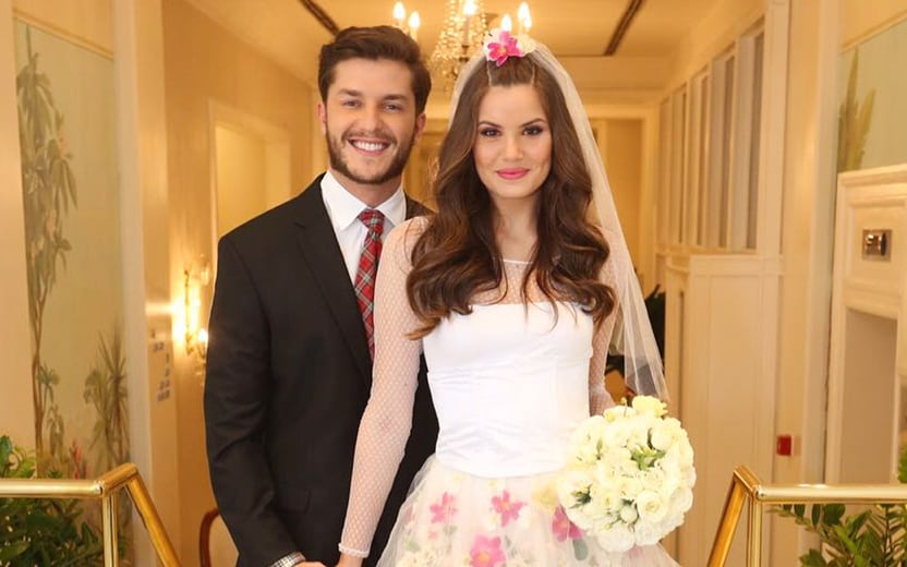Luan Santana é um dos padrinhos de Camila Queiroz e Klebber Toledo https://t.co/SAQviPq8i2