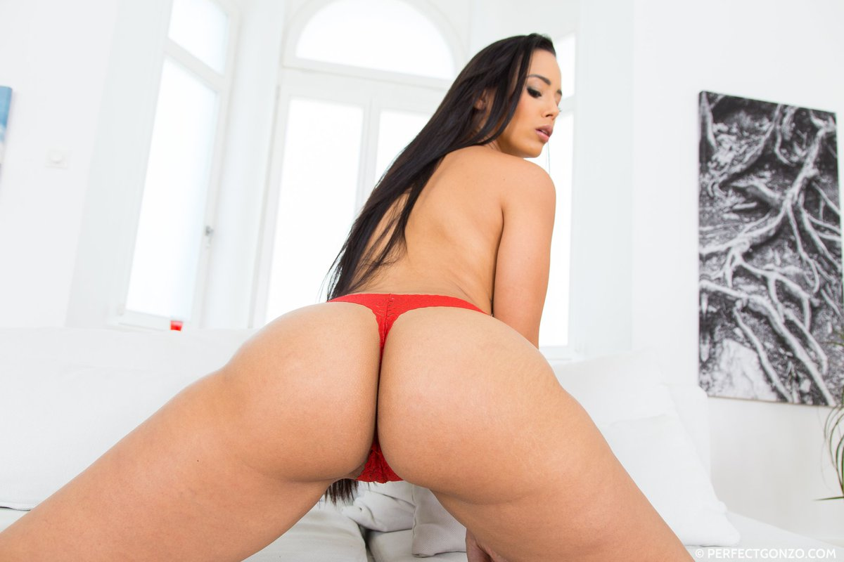 Lilu and andreina de lux having threesome sex with sperm - 2 part 1