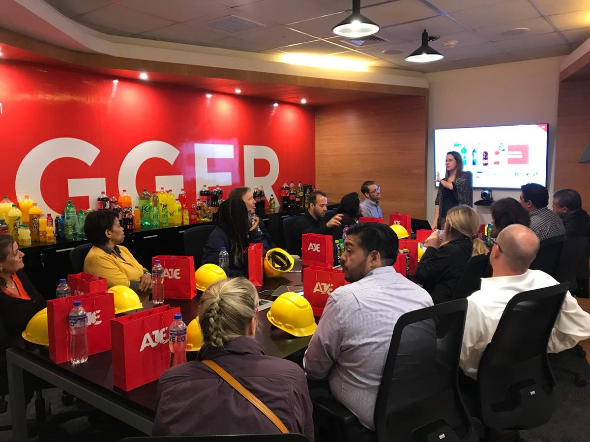Dr. Maria Malayter, faculty in Business Psychology @DocMaria @GradPsychology met with the Aje Group, one of the largest beverage companies in Latin America to discuss business strategies. #StudyAbroad #businesspsychology <br>http://pic.twitter.com/UaGPfQtQai