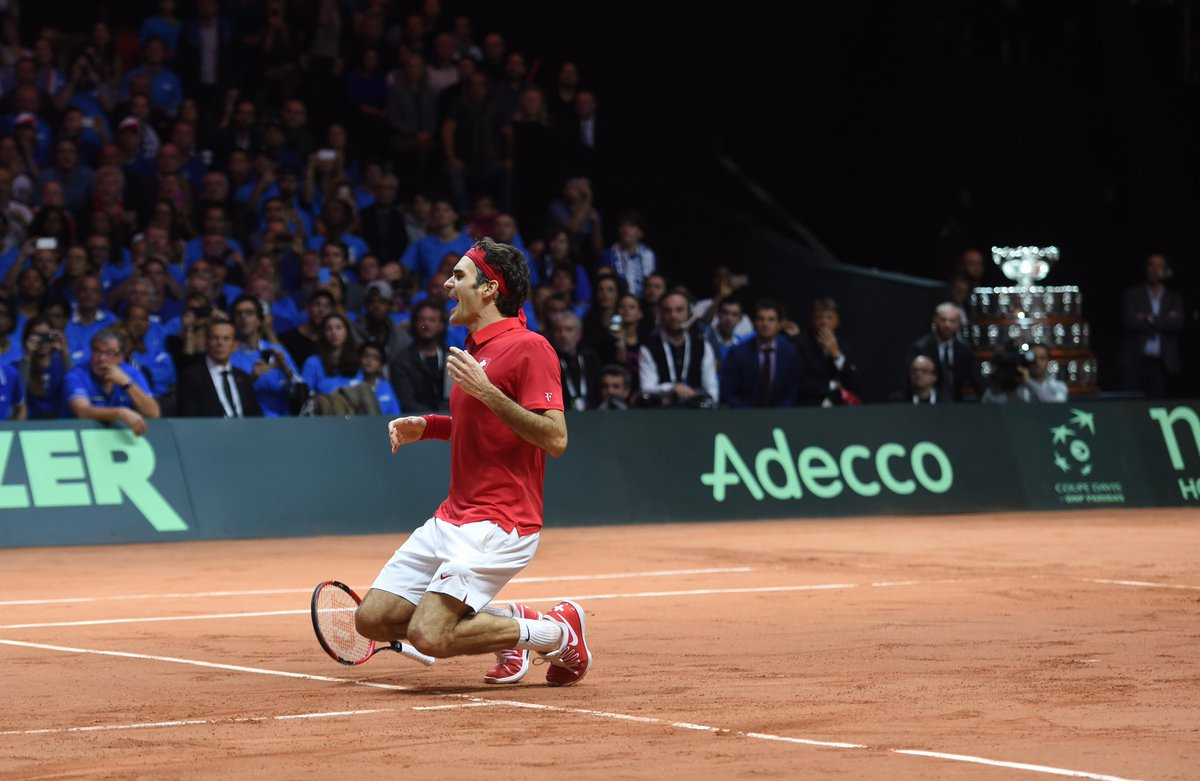 37 years young! Happy birthday 🇨🇭 @rogerfederer! 🎉🎈🎁🎂