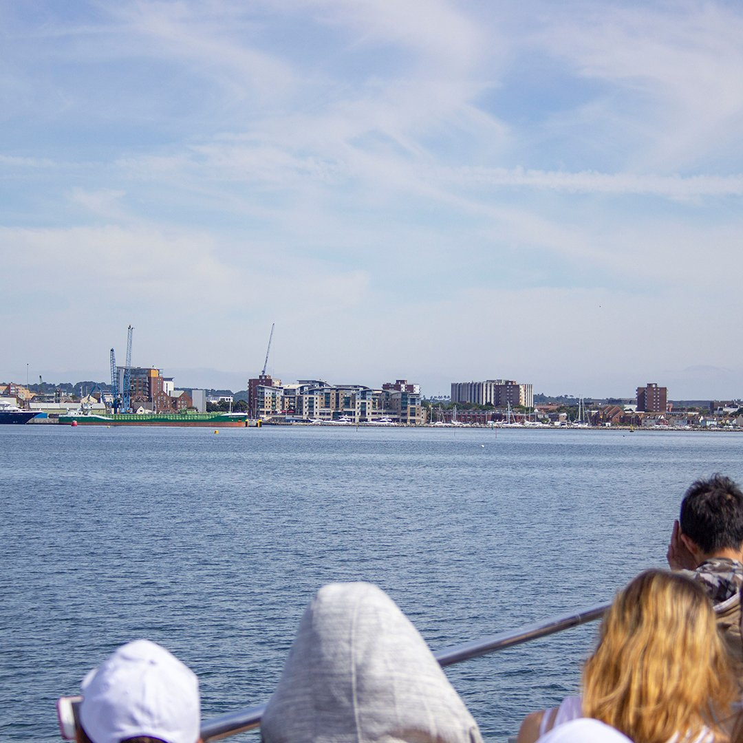Recently, Our Young Learners went on a boat cruise around Poole Harbour.  The students enjoyed the sightseeing trip in beautiful sunny weather.    http://www. anglo-continental.com  &nbsp;       http://www. anglo-continental.com  &nbsp;    #pooleharbour #England #LearnEnglish  #bournemouth  #AngloContinental<br>http://pic.twitter.com/MNlB17NRQR