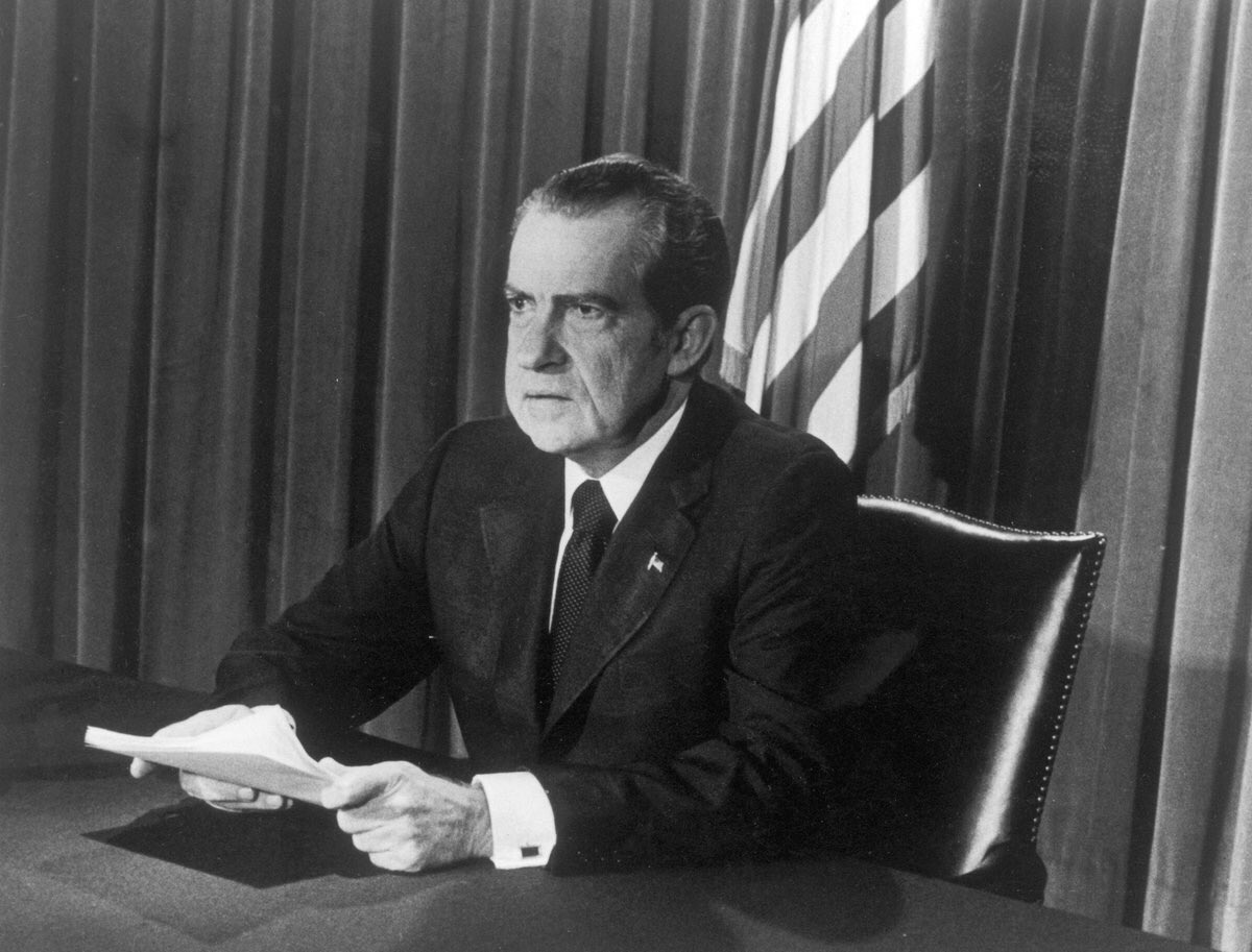 richard nixon presidency Richard nixon was the second of five children born to frank nixon, a service station owner and grocer, and hannah milhous nixon, whose devout quakerism would exert a strong influence on her son nixon graduated from whittier college in california in 1934 and from duke university law school in durham, north carolina , in 1937.