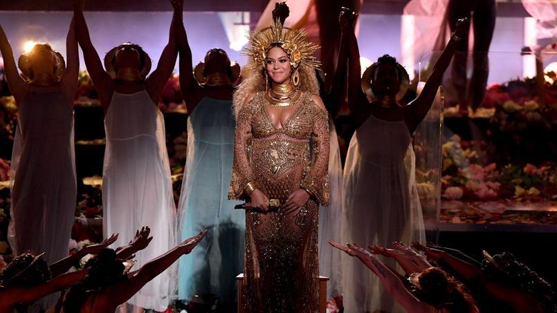 Beyoncé dit sa fierté de femme, de noire et d&#39;héritière de Nina Simone et de Diana Ross  http:// dlvr.it/QfDXHh  &nbsp;  <br>http://pic.twitter.com/4Rq3ZtcDoh